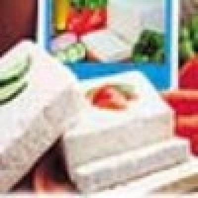 Фалшиво фета сирене се продава на гръцкия пазар