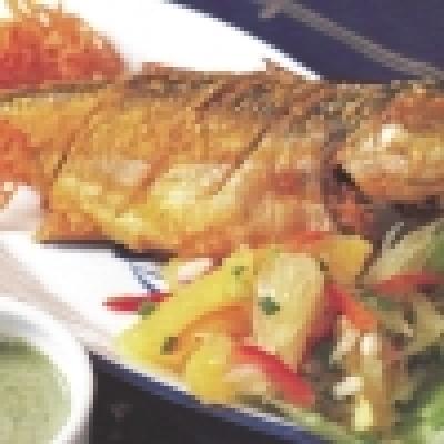 Бяла риба със зеленчуци на фурна