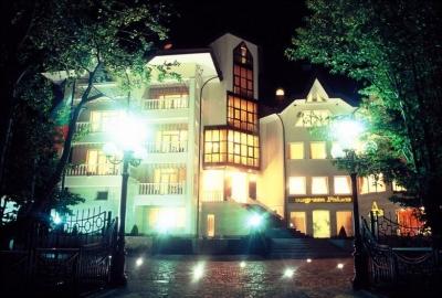 Evergreen Hotel 01