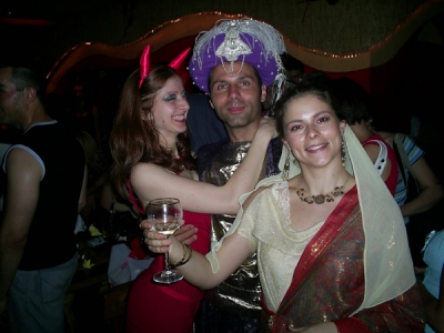 Ха наздраве за Аладин! :)