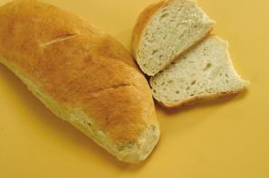 Ръчен бял хляб